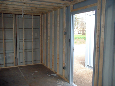 Framing the interior of a container